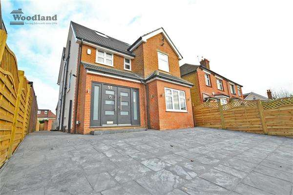 5 Bedrooms Detached House for sale in Wood Lane, Isleworth