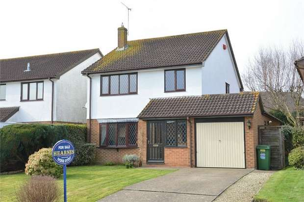 4 Bedrooms Detached House for sale in Marianne Road, Talbot Village, Poole