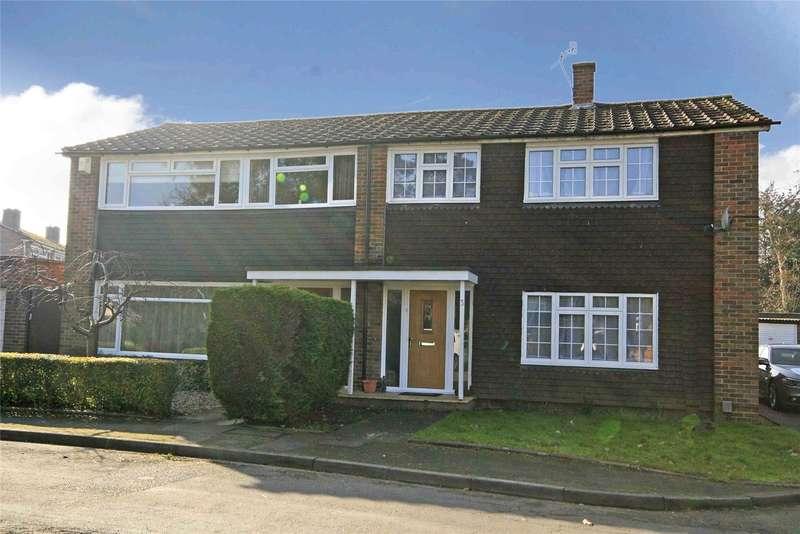 3 Bedrooms Semi Detached House for sale in The Cedars, Byfleet, Surrey, KT14