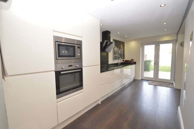 4 Bedrooms Semi Detached House for sale in Wych Elms, Park Street, St. Albans, AL2