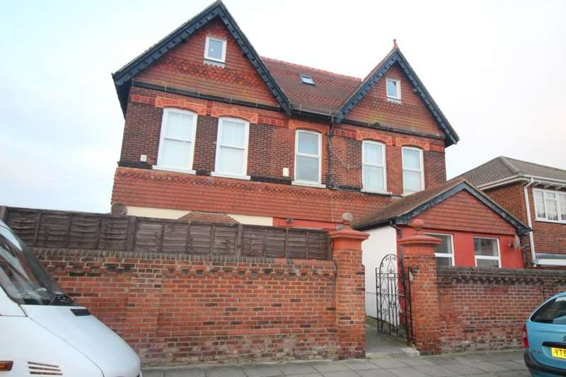 7 Bedrooms Property for rent in Edmund Road, Southsea, PO4