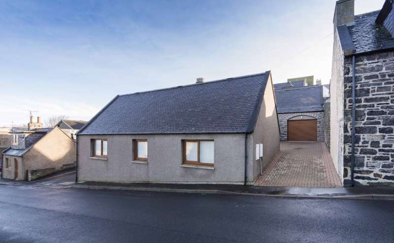 3 Bedrooms Detached House for sale in Gellymill Street, Macduff, Aberdeenshire, AB44 1UX