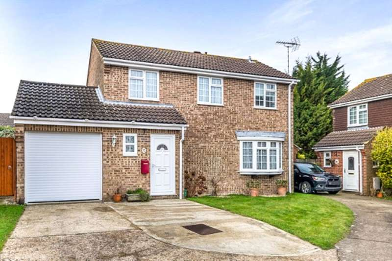 3 Bedrooms Detached House for sale in Gatcombe Close, Walderslade, Chatham, ME5