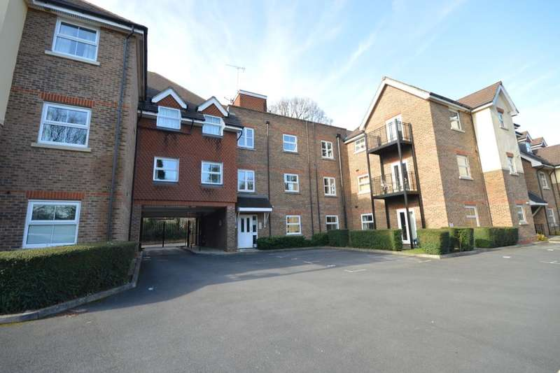 3 Bedrooms Flat for sale in Hursley Road, Chandler's Ford, Eastleigh, SO53