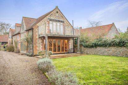 3 Bedrooms Barn Conversion Character Property for sale in Trunch, North Walsham, Norfolk