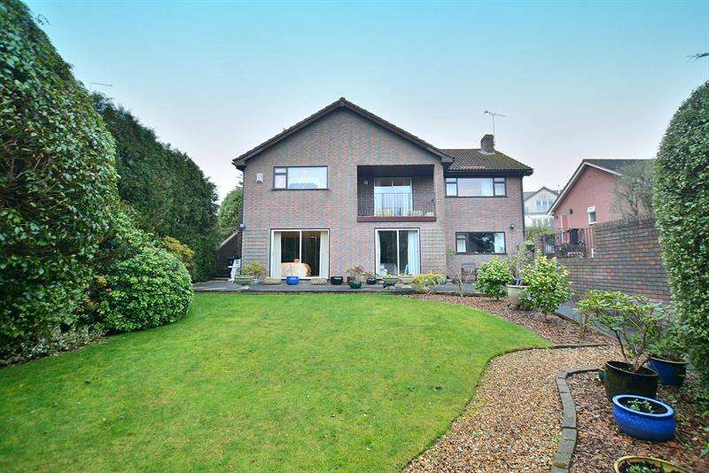 4 Bedrooms Detached House for sale in Wesley Road, Wimborne