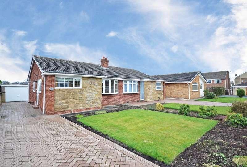 2 Bedrooms Semi Detached Bungalow for sale in Pentland Grove, Wakefield