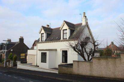 3 Bedrooms Detached House for sale in Selkirk Street, Markinch