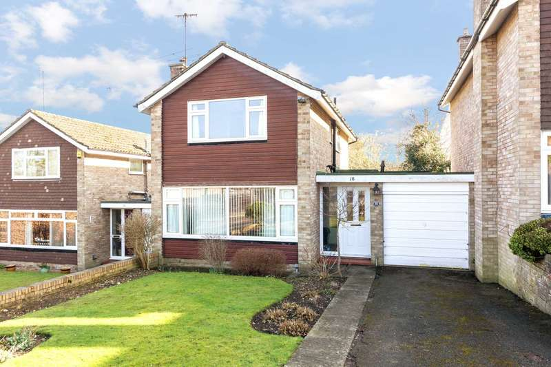 3 Bedrooms Link Detached House for sale in Lombardy Drive, Berkhamsted