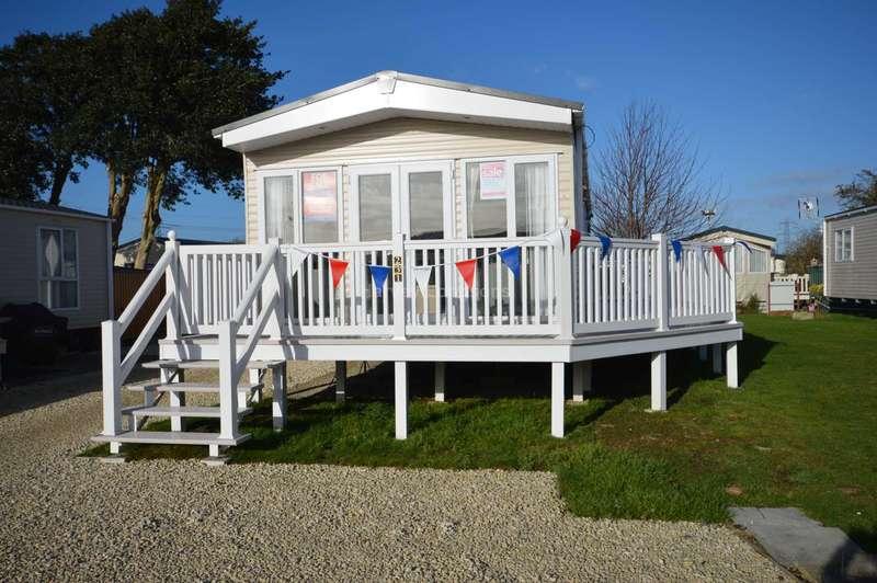 2 Bedrooms Caravan Mobile Home for sale in Solent Breezes Holiday Park, Hook Lane, Warsash, Nr Fareham