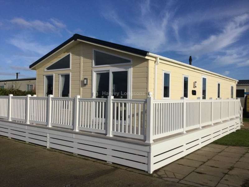 2 Bedrooms Lodge Character Property for sale in Seawick Holiday Park, Beach Road, St Osyth, Nr Clacton-On-Sea