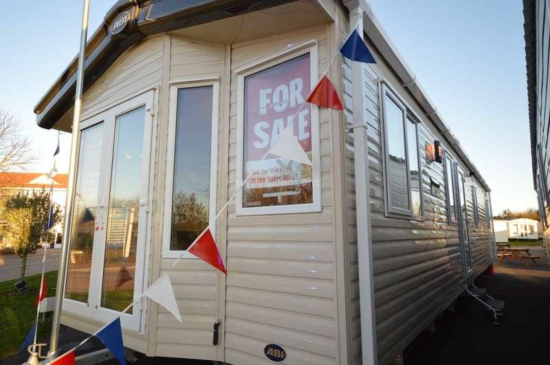 3 Bedrooms Caravan Mobile Home for sale in Broadland Sands Holiday Park, Coast Road, Corton, Lowestoft