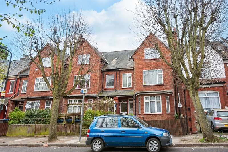 4 Bedrooms Apartment Flat for sale in Stanley Gardens, Willesden Green, London, NW2 4QJ