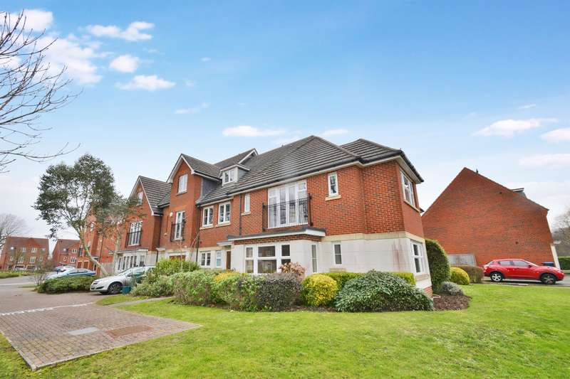 2 Bedrooms Flat for sale in Halton Road, Kenley, Surrey, CR8 5GN
