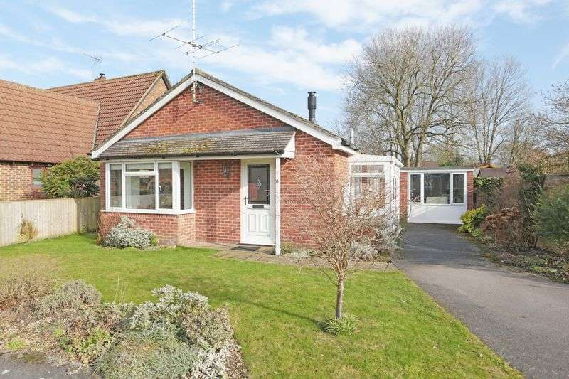 2 Bedrooms Detached House for sale in Urchfont, Devizes, Wiltshire, SN10 4SQ