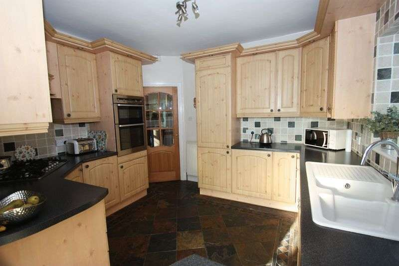 4 Bedrooms Detached Bungalow for sale in Maple Avenue, Pontefract
