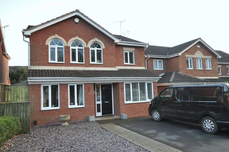 4 Bedrooms Detached House for sale in Linnet Hill, Mickleover