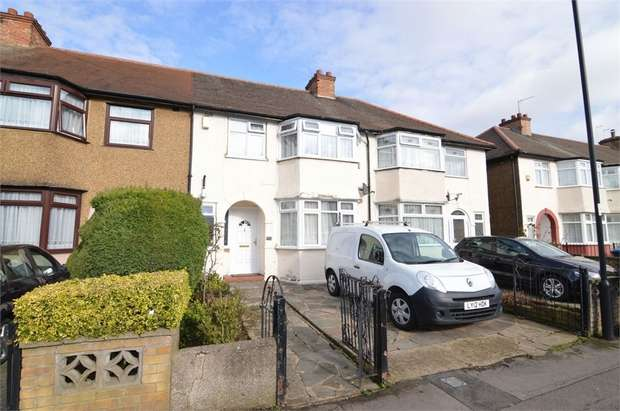 3 Bedrooms Terraced House for sale in Goldsdown Close, Enfield, Greater London