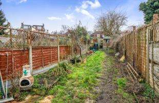 3 Bedrooms Terraced House for sale in Villa Road, Higham, Rochester, Kent