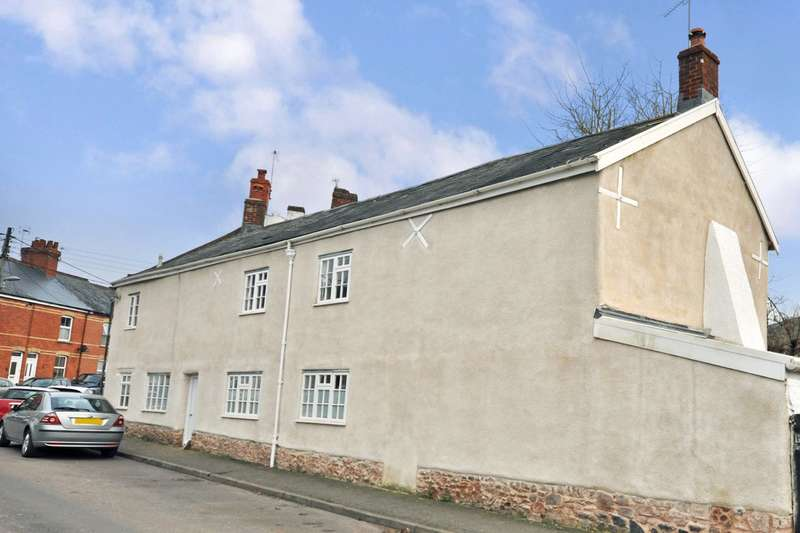 4 Bedrooms Semi Detached House for sale in Cullompton, Devon
