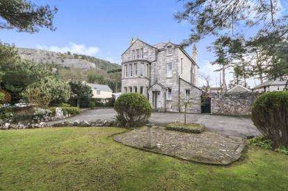 8 Bedrooms Detached House for sale in Clip Terfyn, Llanddulas, Abergele, Conwy, LL22