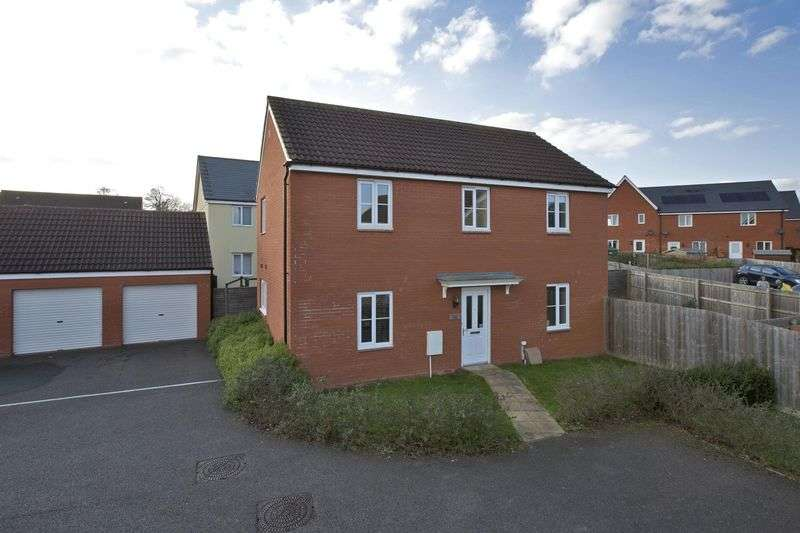 4 Bedrooms Detached House for sale in Russet Close, Wellington