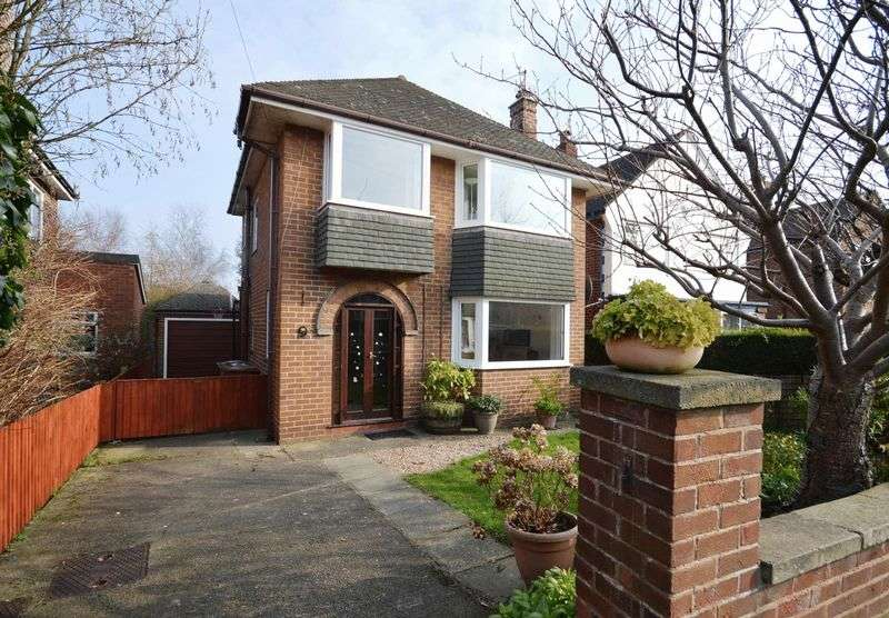 3 Bedrooms Detached House for sale in Sandstone Drive, West Kirby