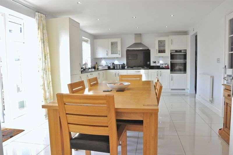 5 Bedrooms Detached House for sale in Shepherds Walk, Honeybourne, Evesham, WR11 7AL