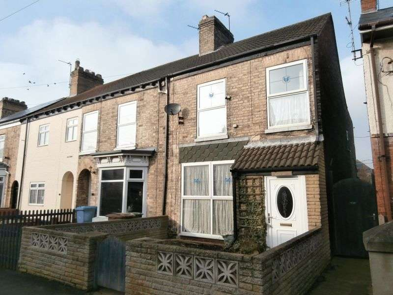 3 Bedrooms Terraced House for sale in Southcliff Road, Withernsea, East Yorkshire