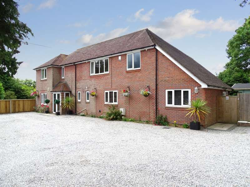 4 Bedrooms Detached House for sale in Beacon Road, West End