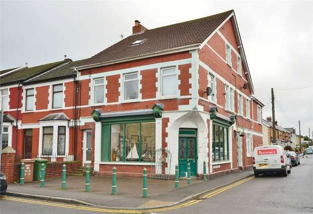 2 Bedrooms Flat for sale in Church Street, Bedwas, Caerphilly