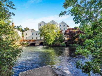 2 Bedrooms Flat for sale in The Street, Norwich, Norfolk
