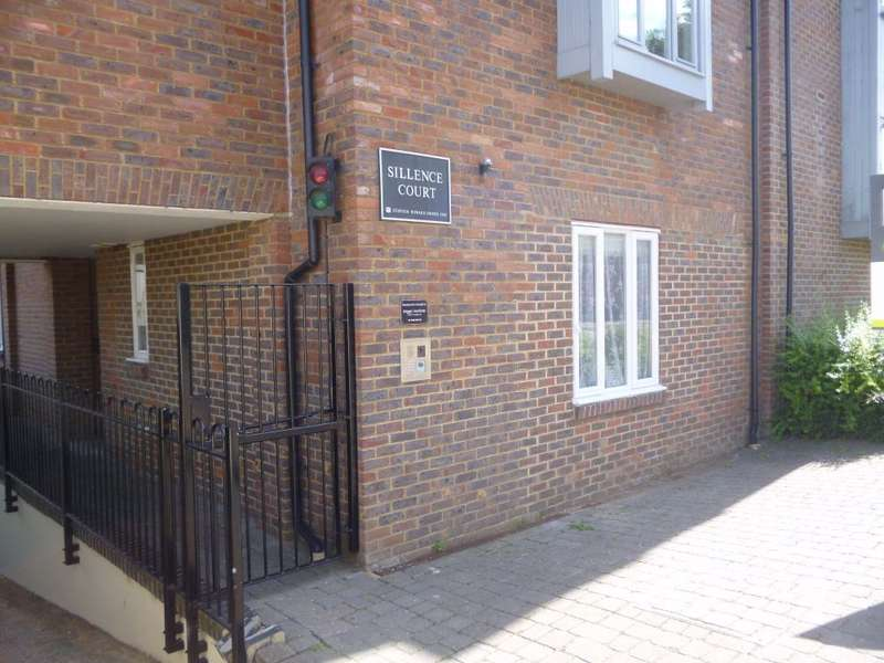 Studio Flat for sale in Sillence Court, Upper King Street, Royston, SG8