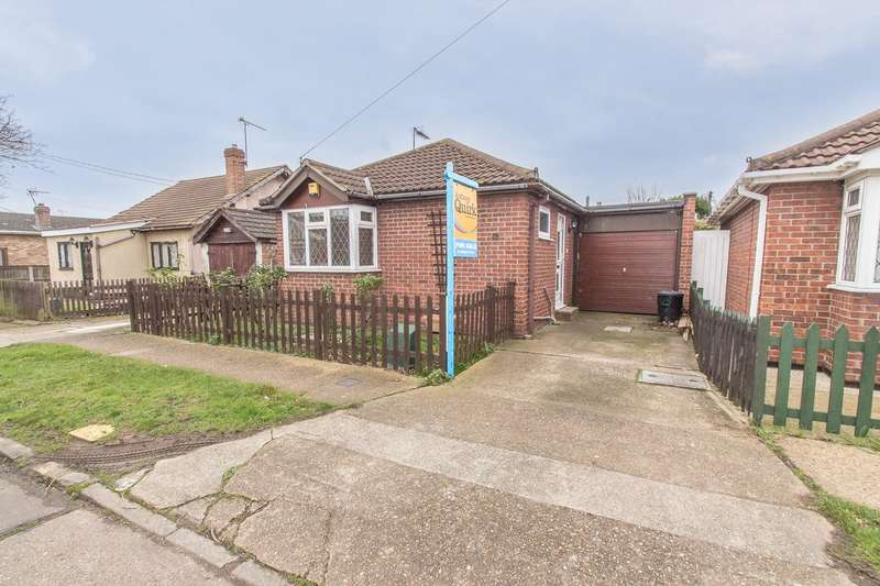 1 Bedroom Detached Bungalow for sale in Fairlop Avenue, Canvey Island, SS8
