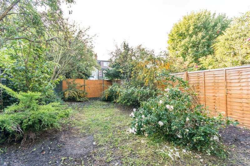 3 Bedrooms House for sale in Caverswall Street, Shepherd's Bush, W12