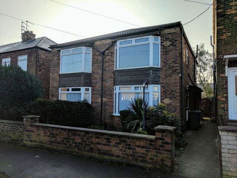 1 Bedroom Flat for sale in Northfield Avenue, Hessle