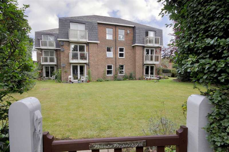 2 Bedrooms Apartment Flat for sale in Victoria Court, Osborne Road, Andover