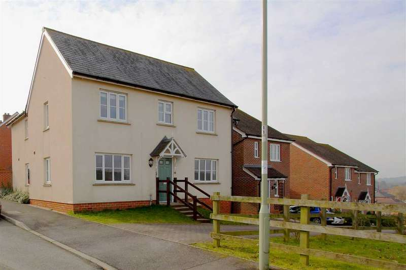 4 Bedrooms Link Detached House for sale in Overton Hill, Overton
