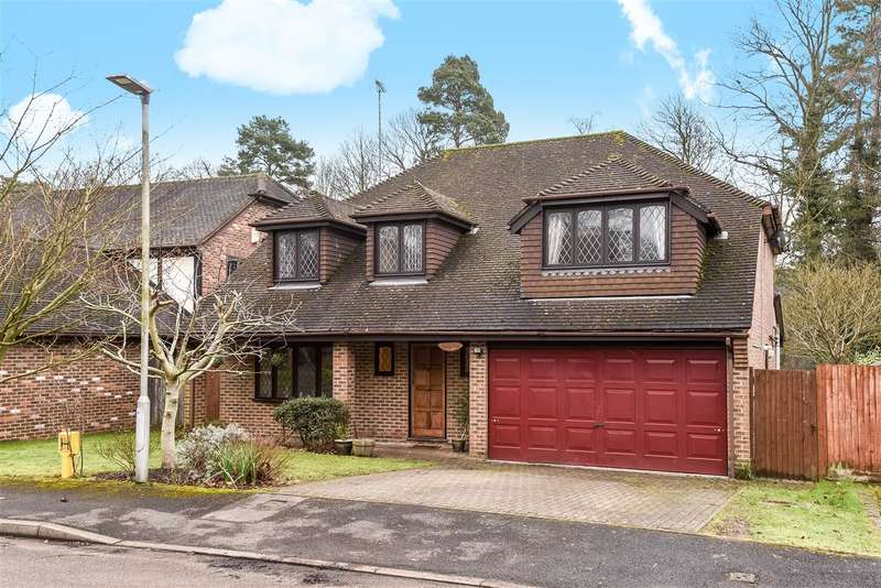 4 Bedrooms Detached House for sale in Kingsley Close, Crowthorne