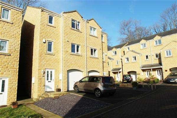 3 Bedrooms Semi Detached House for sale in Saffron Close, Gratrix Lane, Sowerby Bridge