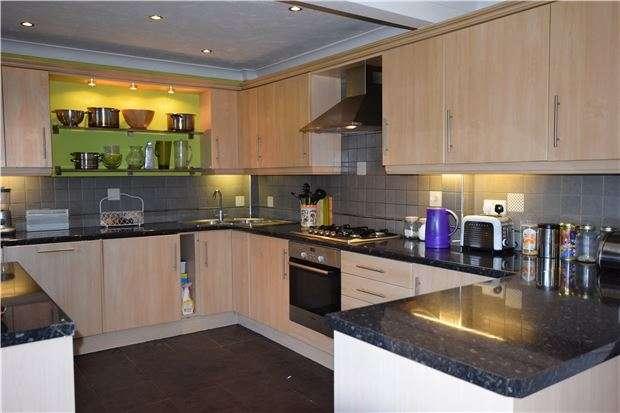 3 Bedrooms Terraced House for sale in Barton Village Road, Headington OX3 9LB