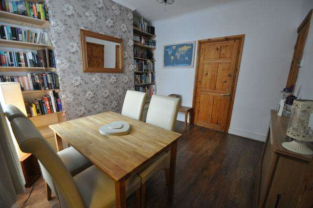 3 Bedrooms Terraced House for sale in Torquay Villas, Rosmead Street, Hull, HU9 2UF