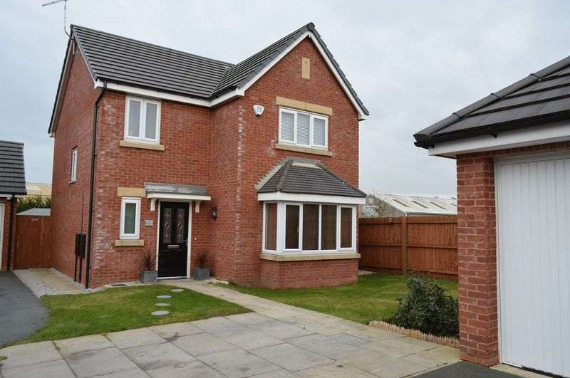 4 Bedrooms Detached House for sale in Green House Close, Lowton, WA3 1AD