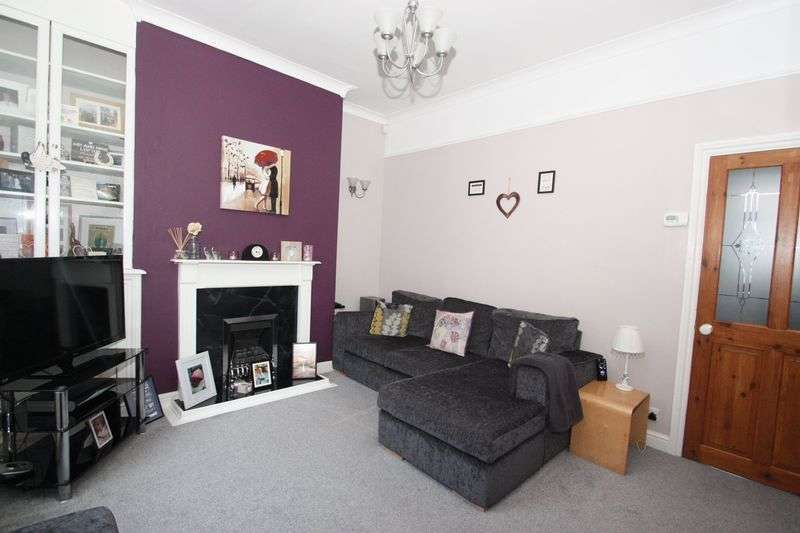 2 Bedrooms Terraced House for sale in Glebe Street, Castleford