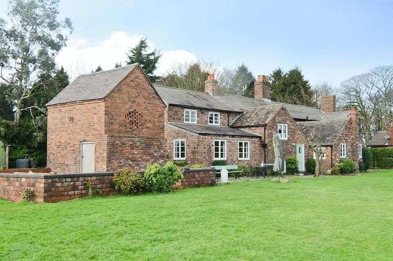 5 Bedrooms Detached House for sale in Bursnips Road, Essington