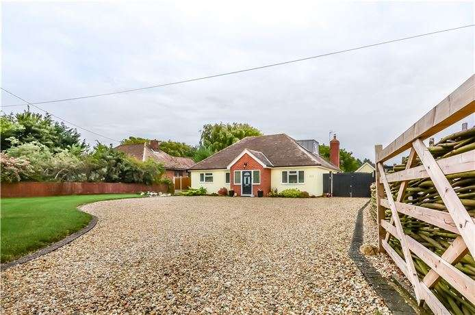 4 Bedrooms Detached Bungalow for sale in Wimpole Road, Barton, Cambridge