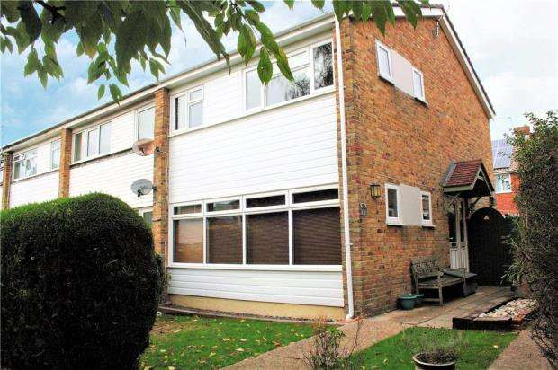 3 Bedrooms End Of Terrace House for sale in Meadowside, Angmering, West Sussex, BN16