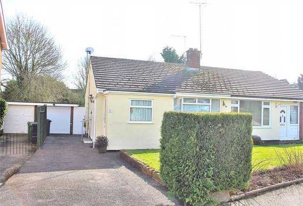 2 Bedrooms Semi Detached House for sale in Dunmow, Essex