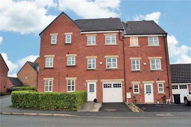 4 Bedrooms Town House for sale in Riverside View, Clayton le Moors, Accrington, Lancashire