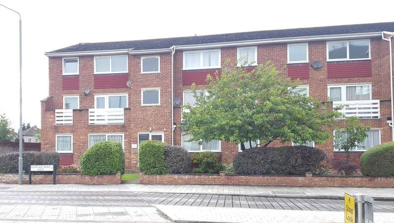2 Bedrooms Flat for sale in Janet Court, Mayplace Road West, Bexleyheath, Kent, DA7 4JE